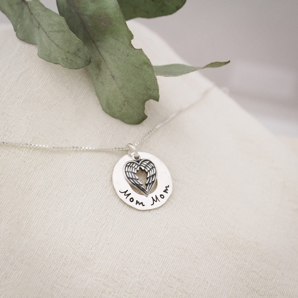 Mom Mom grandma necklace in sterling silver makes a great gift for Mother's Day 2018.