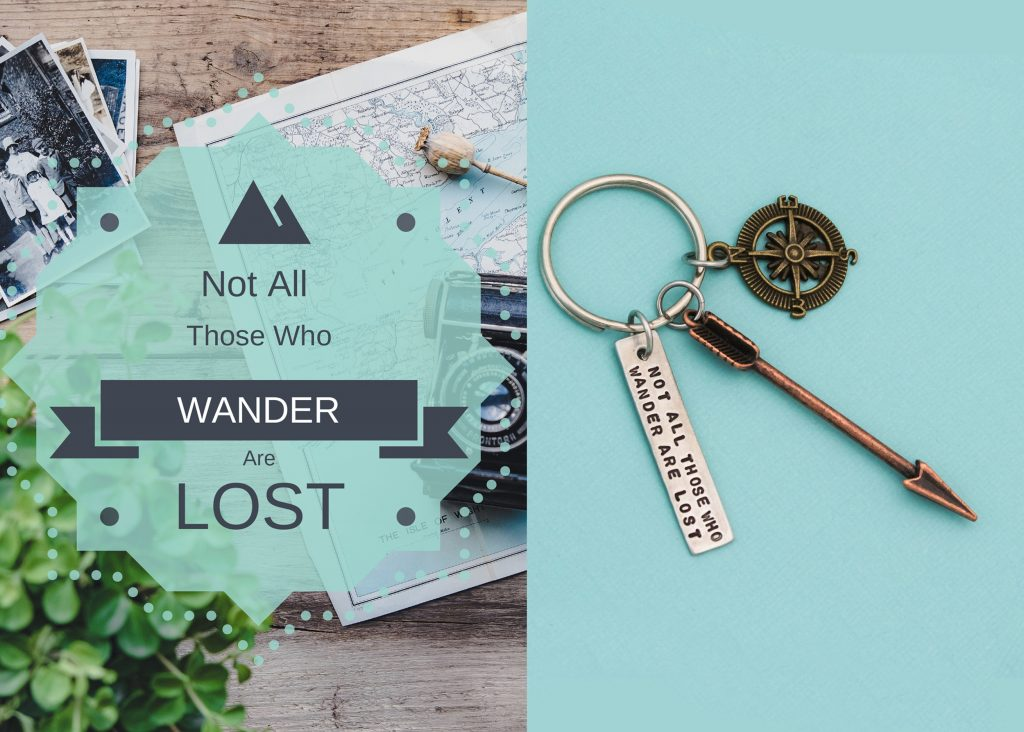Arrow and compass keychain, great gift for the adventure lover.