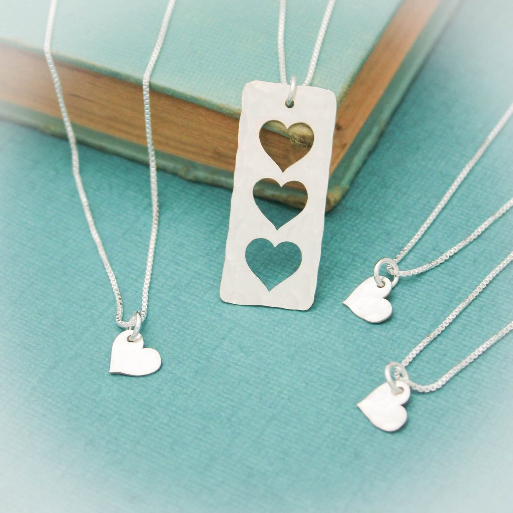 Unique hammered heart necklace set for mom
