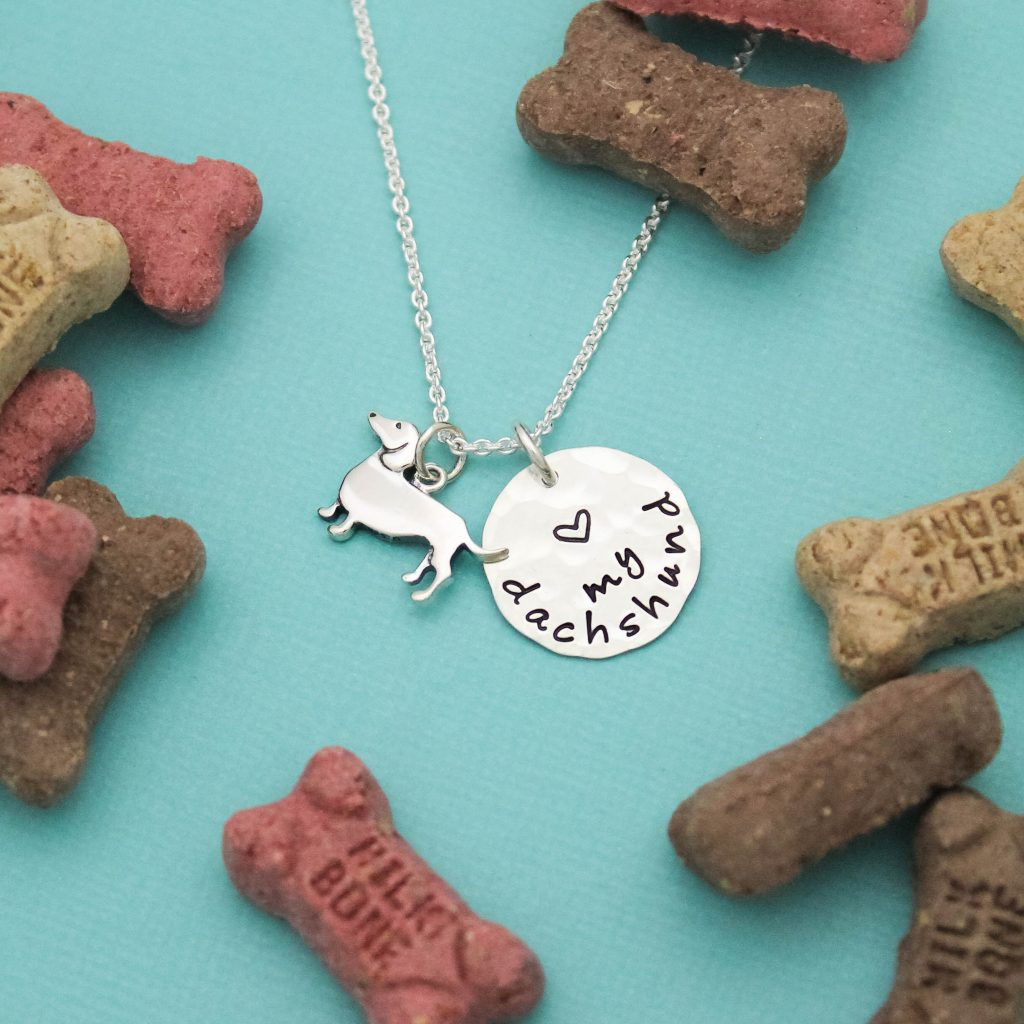 Love my Dachshund Necklace in silver